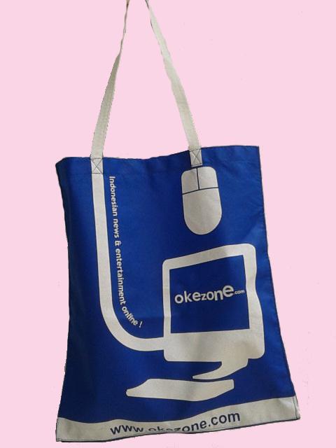 goodie bag promosi dengan bahan spunbond