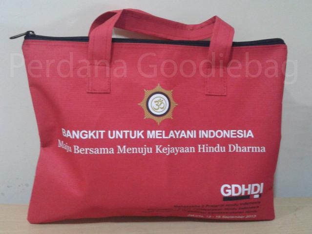 Tas seminar dengan zipper atau resleting