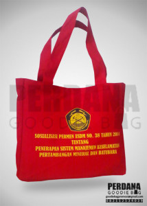 goodie bag kanvas esdm dengan zipper