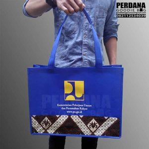 harga tas seminar murah spunbond kombinasi batik