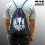 Proses Produksi Drawstring Bag Taslan Di Ternate