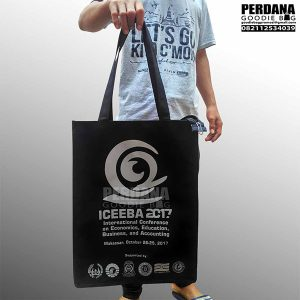 harga goodie bag sablon dinier d300 Iceeba Makassar Q3469