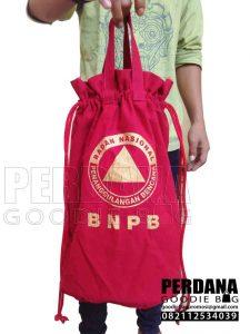 pouch serut kanvas BNPB Jakarta dengan tali jinjing Q3707