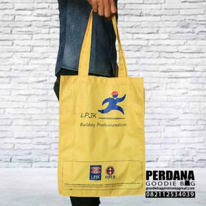 goodie bag anti air warna kuning LPJKN Kebayoran Q3867