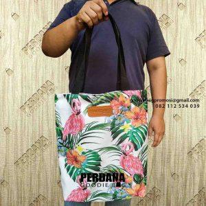 contoh tote bag wanita desain full warna Perdana Goodie Bag