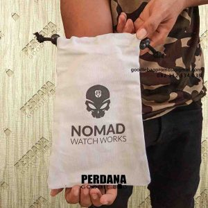 contoh pouch souvenir nomad di PIK id5417