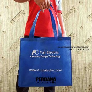 contoh tote bag spunbond biru benhur Klien di Sudirman id5157