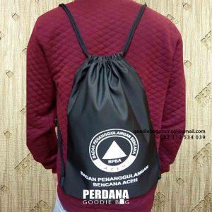 contoh drawstring bag anti air warna hitam BPBA Aceh id4983