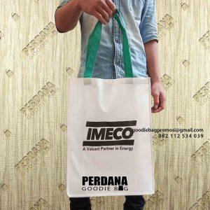 Custom Goodie Bag bahan spunbond klien Cilandak Jakarta id5189p