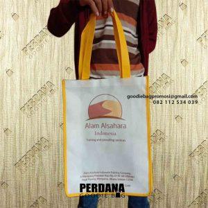 Goodie Bag Bahan Spunbond Desain Sablon Tegal Parang Mampang Prapatan Jakarta id6733P