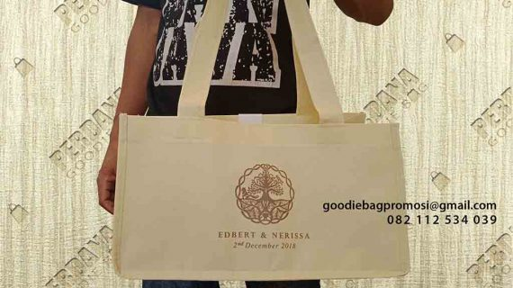 Tas Goodie Bag Bahan Spunbond Taman Golf Boulevard Modernland Cikokol